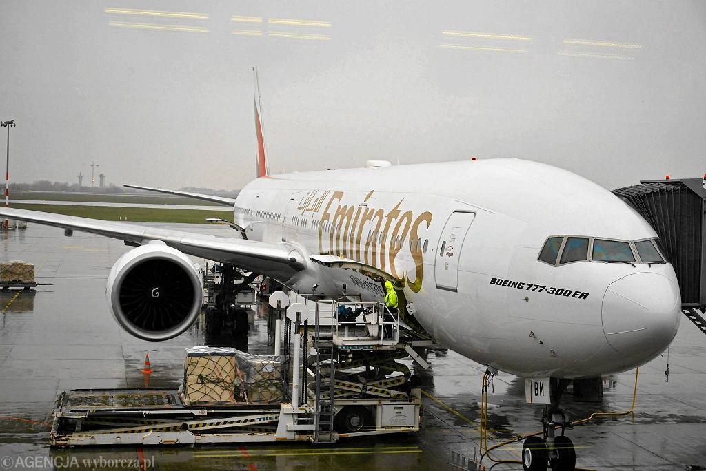Boeing 777-300 ER linii Emirates na Lotnisku Chopina