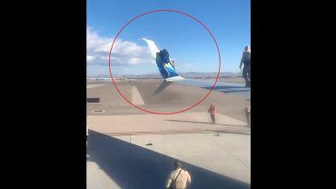 Wdrapał się na skrzydło samolotu. Trafił do aresztu