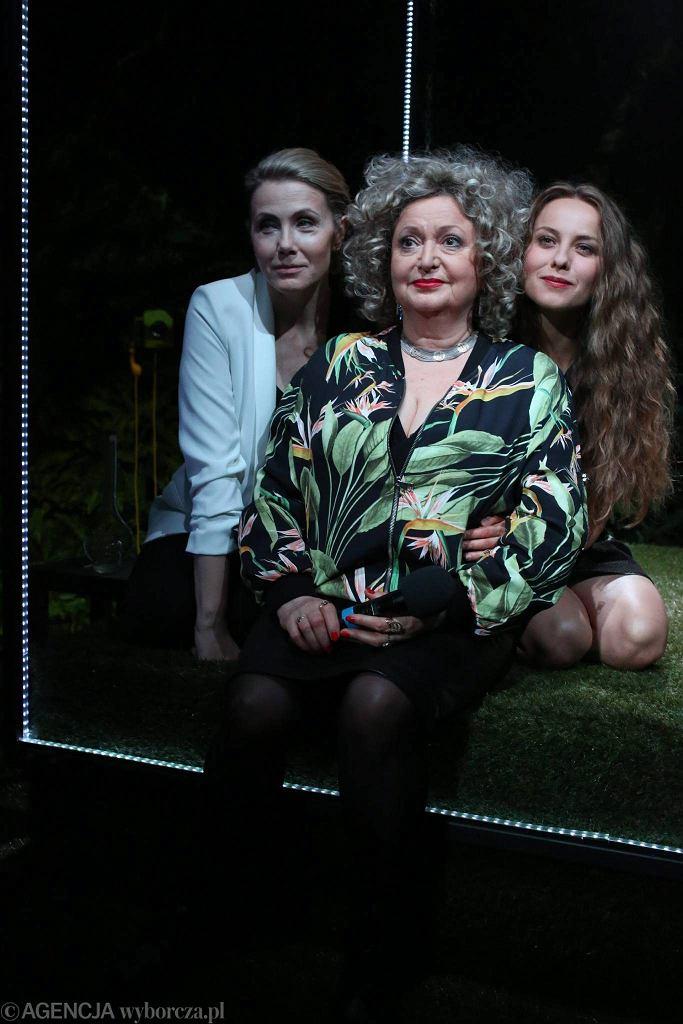 Agnieszka Wosińska, Krystyna Tkacz  i Anna Gorajska / AGATA GRZYBOWSKA