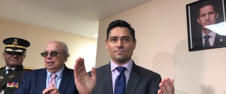 Zwolennicy Juana Guaido przejęli placówki dyplomatyczne Wenezueli w USA