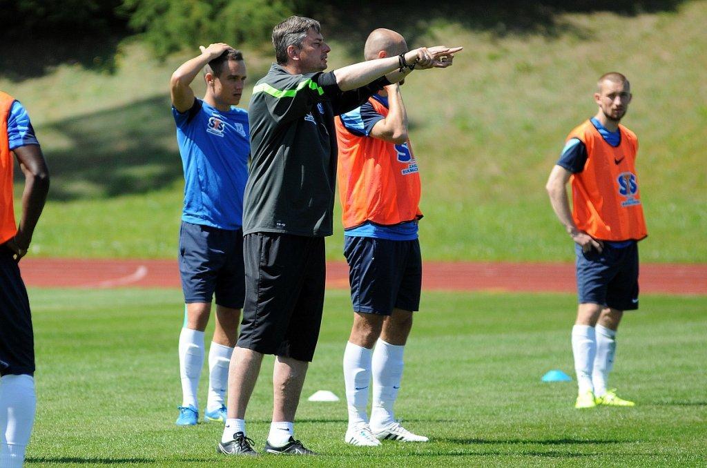 Trening Lecha Poznań na stadionie w Gniewinie. Trener Maciej Skorża
