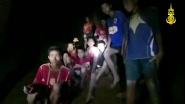 Wojsko dotarło do uwiezionych w jaskini dzieci