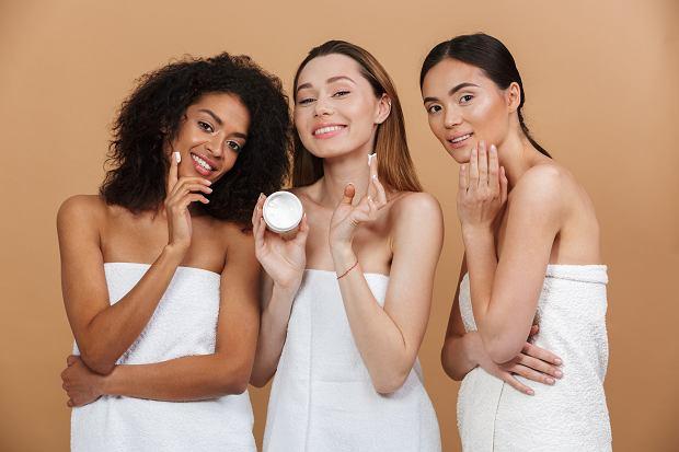 Krem z witaminą A do 50 złotych! Poznaj produkty łagodzące i regenerujące skórę