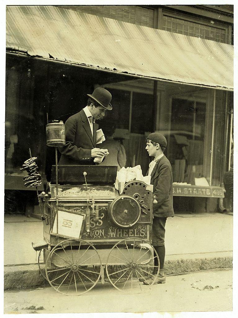 Chłopiec sprzedający fistaszki (Delaware, Stany Zjednoczone, 1910 r.)
