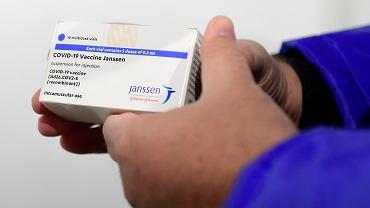 Cessak: na tę chwilę profil bezpieczeństwa szczepionki Johnson & Johnson pozostaje pozytywny