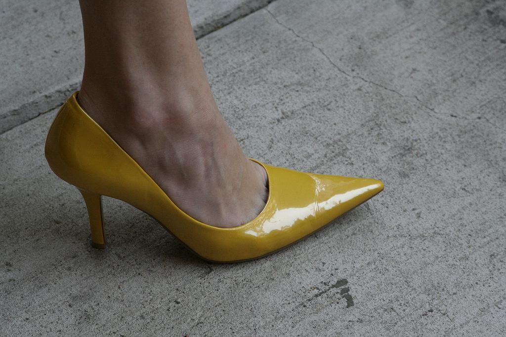 Zapomnij o pęcherzach i obtarciach w nowych butach dzięki skarpetkom i suszarce.
