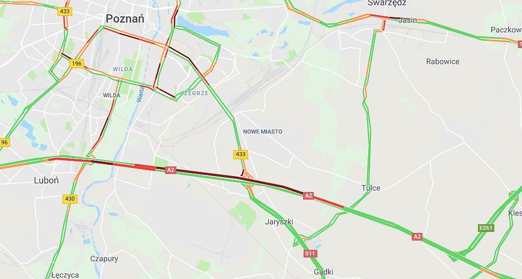 Poznań: Wypadek na autostradzie A2. Dachował samochód ciężarowy
