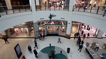 Niedziele handlowe 2021. Czy 23 maja sklepy będą otwarte? (galeria handlowa - zdjęcie ilustracyjne)