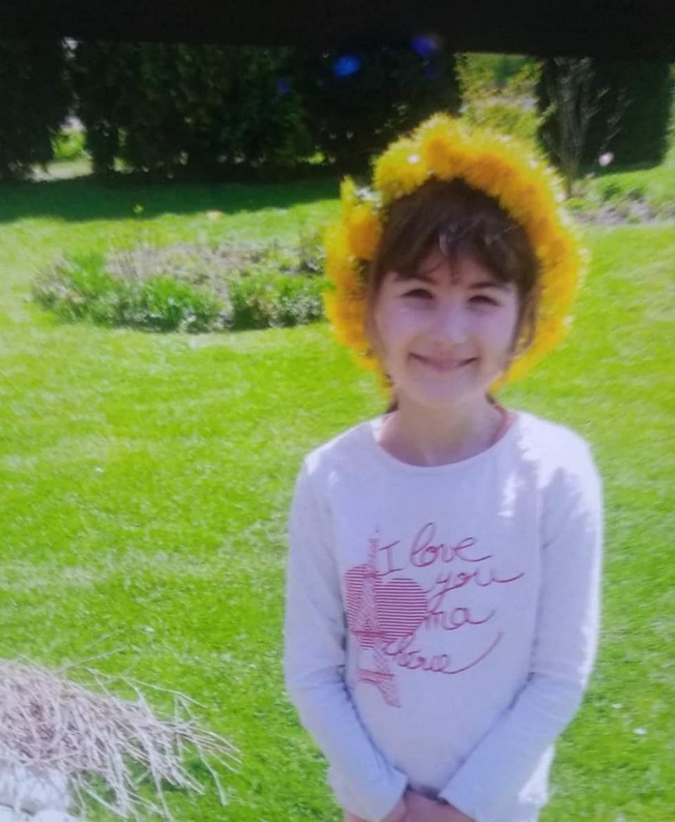 UWAGA! W Białymstoku poszukiwana jest 8-letnia Laura. W czwartek (10 czerwca) około godziny 18 z zajęć w Młodzieżowym Domu Kultury przy ulicy Warszawskiej 79a w Białymstoku wyszła 8 letnia dziewczynka. W tej chwili policjanci jej poszukują