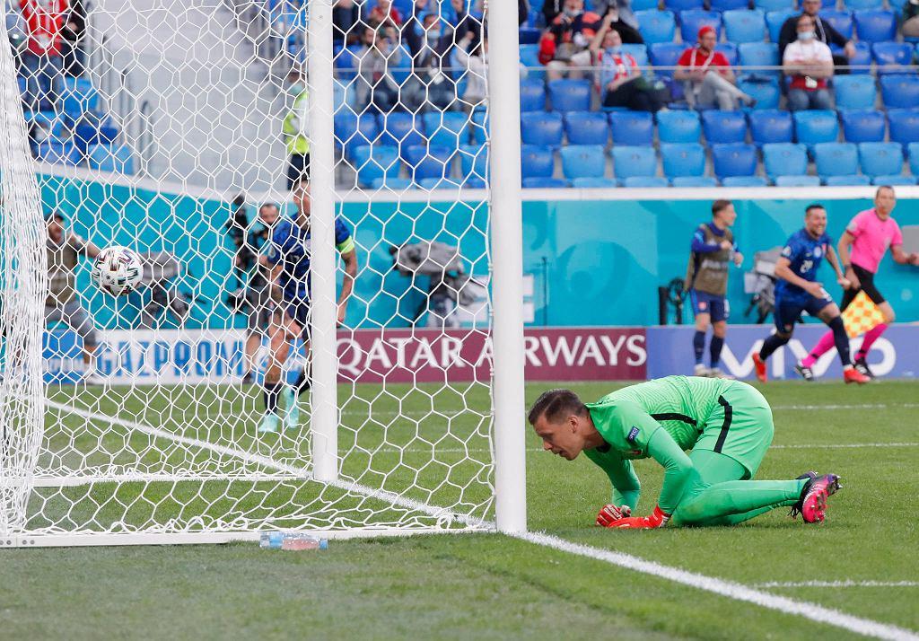 Wojciech Szczęsny podczas przegranego 1:2 meczu Polska - Słowacja