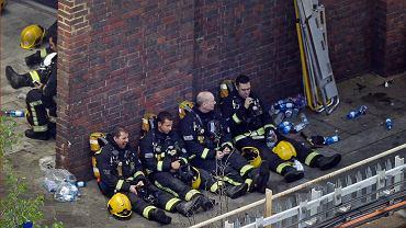 Londyn. Pożar wieżowca