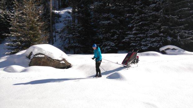 Thule Chariot Cougar, bieganie z wózkiem, bieganie z dzieckiem, narty biegowe