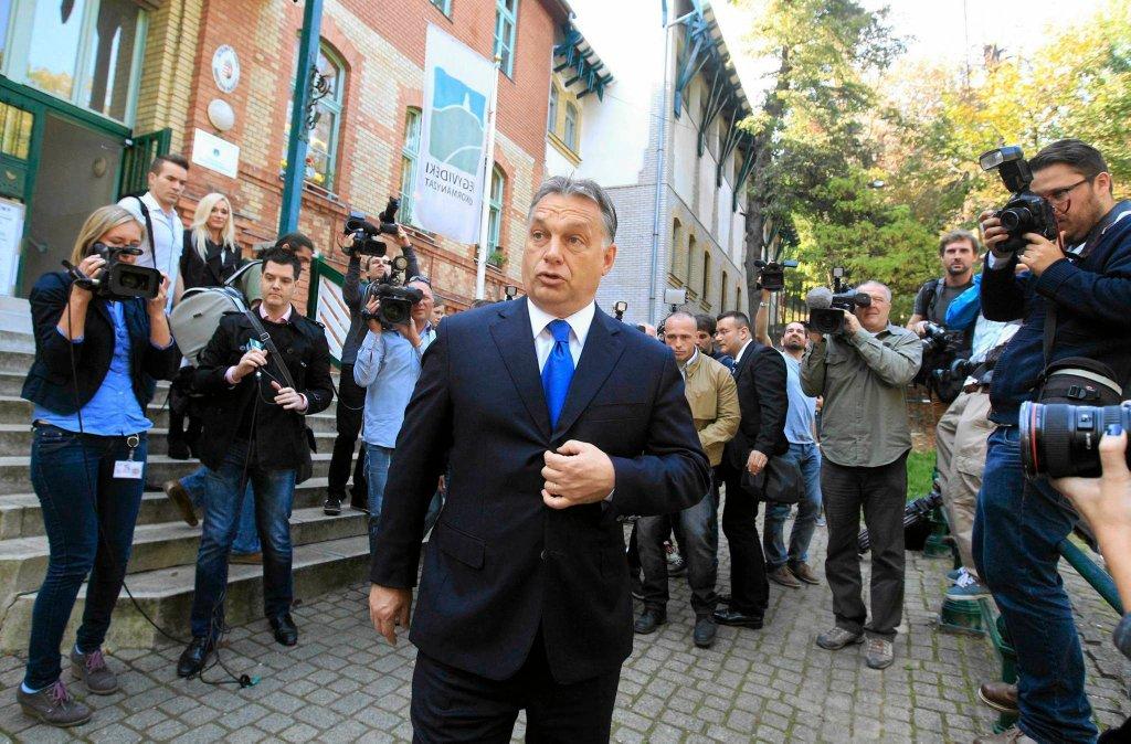 Victor Orban podczas wyborów samorządowych na Węgrzech