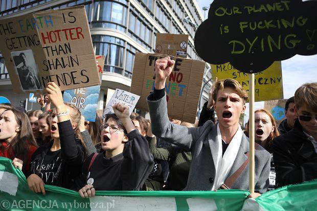 *Mlodziezowy Strajk Klimatyczny w Warszawie