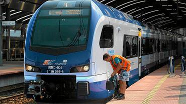 Pociągi PKP Intercity spóźniają się coraz częściej - wynika z danych Urzędu Transportu Kolejowego