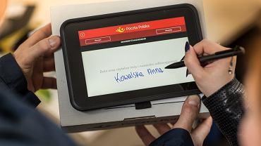 Listonosze Poczty Polskiej będą zachęcać do kredytów