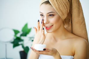 Sucha i odwodniona cera? Krem przeciwdziałający starzeniu skóry suchej kupisz za mniej niż 15 zł!