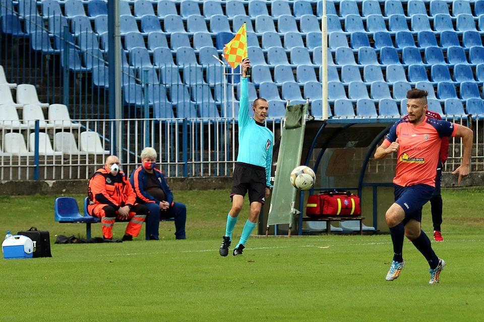 Zdjęcie numer 47 w galerii - Bez bramek w meczu piłkarzy Warty Gorzów, rozgrywanym przy pustych trybunach [ZDJĘCIA]
