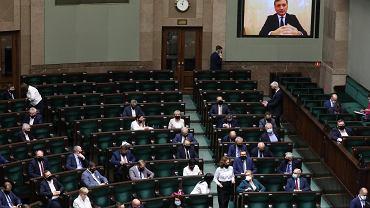 """Sejm zdecydował o wotum nieufności wobec Ziobry. Budka o """"krwi na rękach"""""""