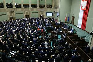 Sejm przyjął budżet na 2019 rok. Ma być 28,5 miliarda złotych deficytu
