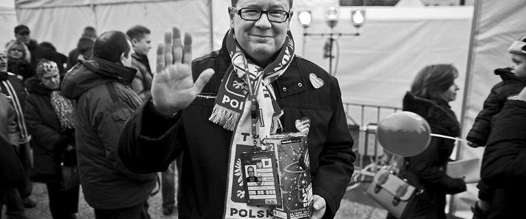 Pożegnanie Pawła Adamowicza. Delegacje z miast partnerskich Gdańska