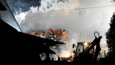 Wybuch gazu w Szczyrku. Akcja ratunkowa przy ul. Leszczynowej. Pod gruzami trzykondygnacyjnego budynku mogą być ludzie