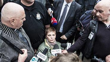 Założycielka i szefowa Polskiej Akcji Humanitarnej Janina Ochojska próbuje dostać się do Sejmu, by odwiedzić protestujących rodziców dzieci niepełnosprawnych. Nie została wpuszczona. Warszawa, 16 maja 2018
