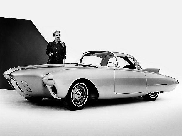 Prototyp napędzany był silnikiem V8