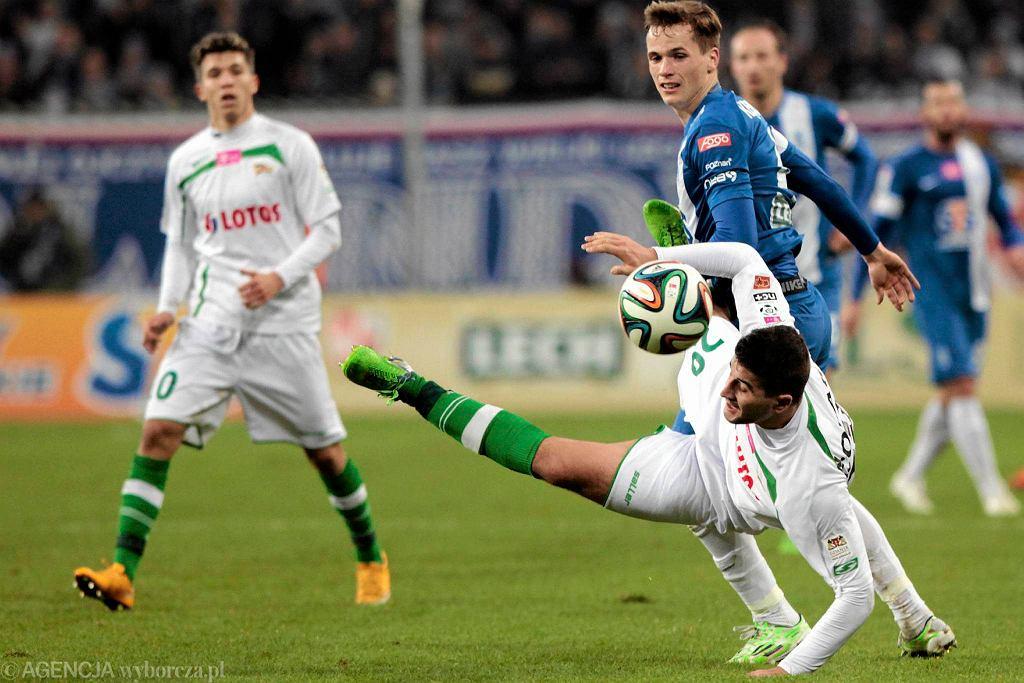 Antonio Colak w meczu z Lechem Poznań nie grał zbyt dobrze, a kłopoty z przyjęciem piłki spróbował po chwili zatrzeć próbując grać nawet ręką.