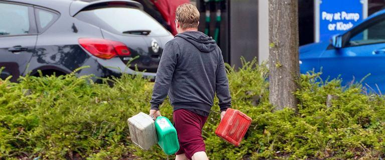 """Kryzys paliwowy w Wielkiej Brytanii. Boris Johnson rozważy """"Operację Escalin"""""""