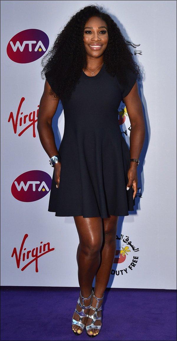 Tenisistki na imprezie przed Wimbledonem