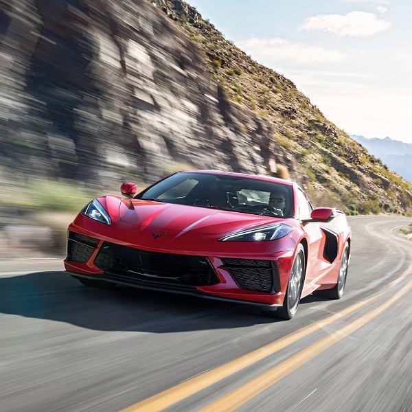 Nowe logo General Motors ma symbolizować wejście koncernu w erę aut na prąd. Na zdj. Chevrolet Corvette