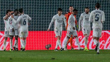 Real wymęczył zwycięstwo w Valladolid. Piękna akcja na trybunach [WIDEO]