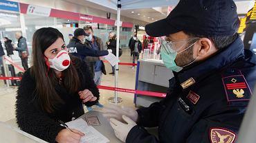 Co robić, jeśli zakazimy się koronawirusem za granicą? Gdzie szukać informacji?
