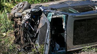 Samochód Tigera Woodsa zmiażdżony w wypadku