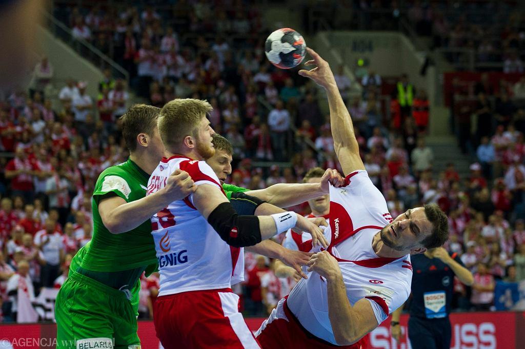 Piłka ręczna. Mecz Polska-Białoruś. Michał Jurecki (z prawej) rzucił wczoraj Białorusinom dziewięć bramek
