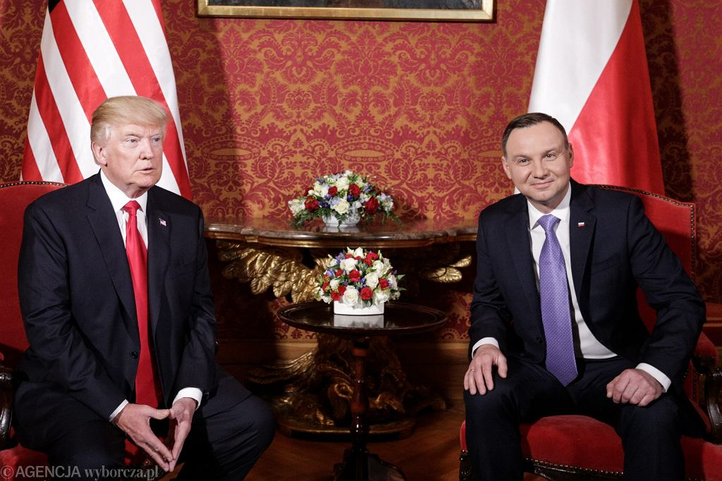 Prezydenci Andrzej Duda i Donald Trump podczas szczytu inicjatywy Trójmorza