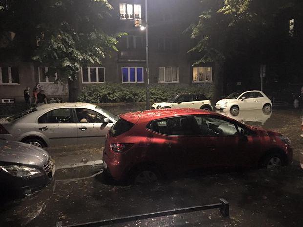 Skutki burzy, która przeszła przez Warszawę 4 września 2016.
