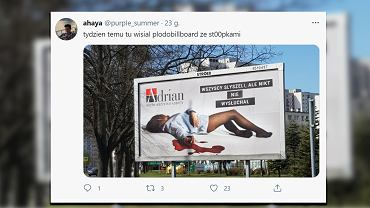Martwa' kobieta na billboardzie Adriana