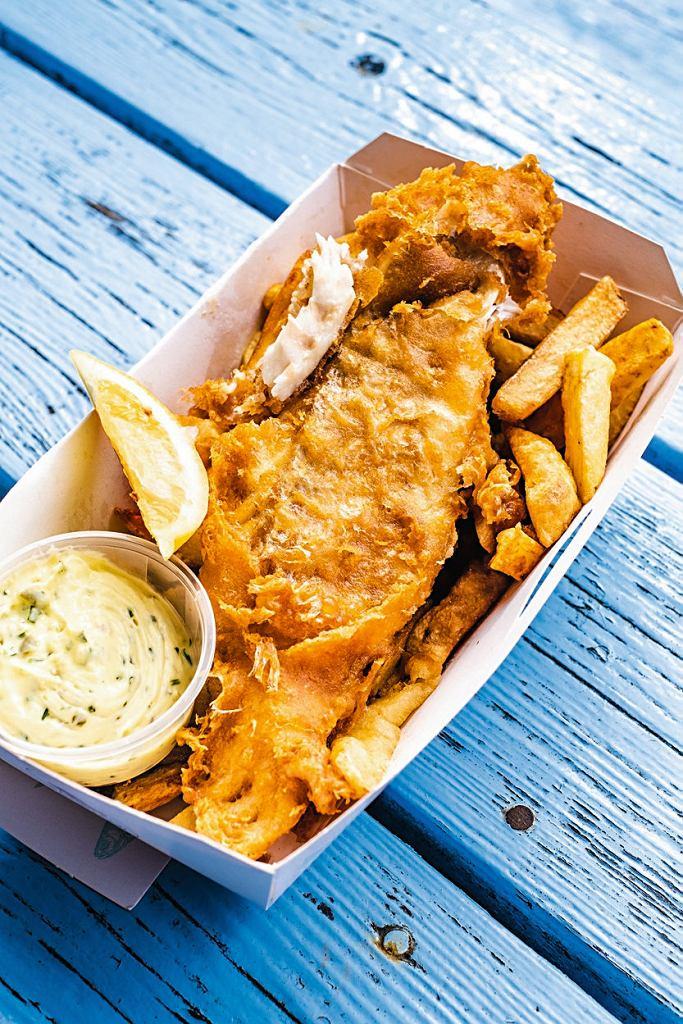 Kornwalia, obowiązkowy posiłek w Anglii to oczywiście fish & chips