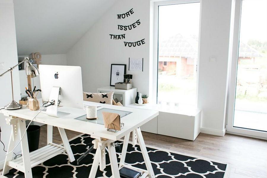 Wybór odpowiedniego oświetlenia na biurko to nie lada wyzwanie