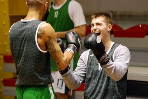 Trening bokserski koszykarzy Legii