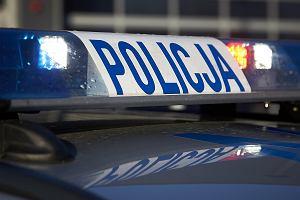 Dziecko uwięzione w rozgrzanym samochodzie. Uwolnili je policjanci. Rodzice mają teraz problem