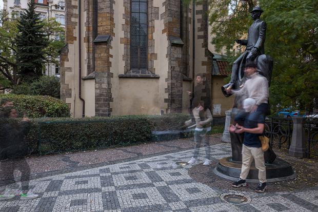 Jedna z rzeźb w Pradze (fot. Filip Springer)