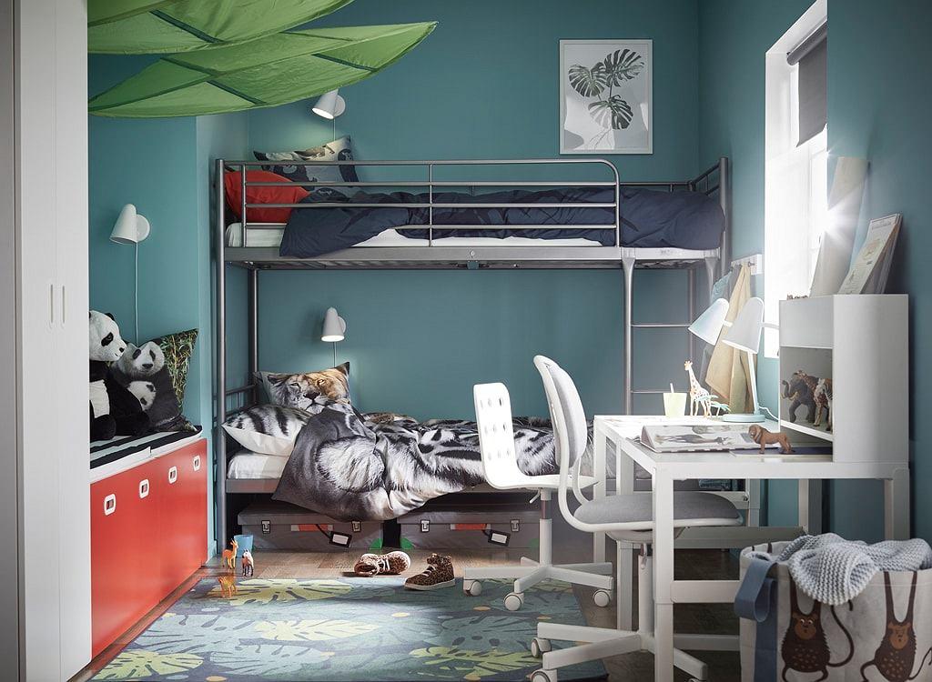 Biurko dla dzieci w niewielkim pokoju