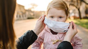Maseczki ochronne dla dzieci niebezpieczne