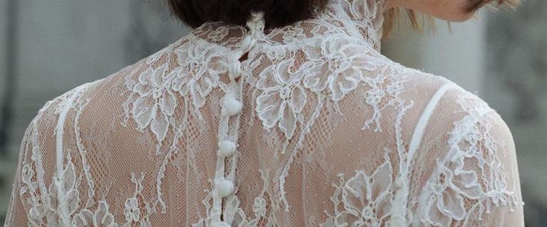 Suknia ślubna za grube tysiące? To już nie przymus. Te zjawiskowe kreacje kupisz na wyprzedaży, w ultraniskich cenach