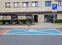 Prawa i przywileje drogowe osób z niepełnosprawnością. Warto je znać