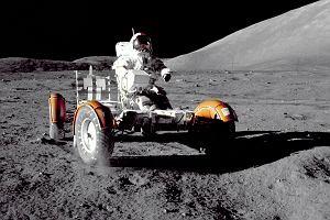 """48 lat temu pierwszy """"samochód"""" wylądował na Księżycu. Konstruktorem pojazdu dla Apollo 15 był Polak"""