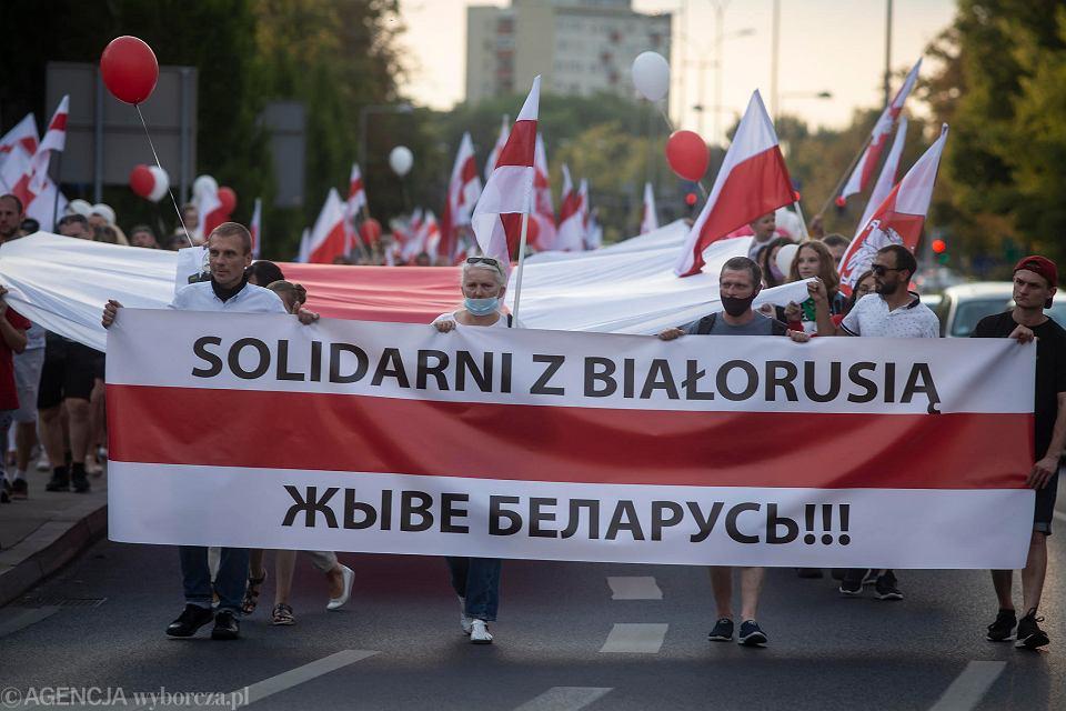 Poparcie dla Białorusinów walczących o demokrację wyraża coraz więcej osób